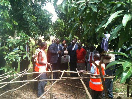 PRI consultant Rob Allen with community service participants in Uganda