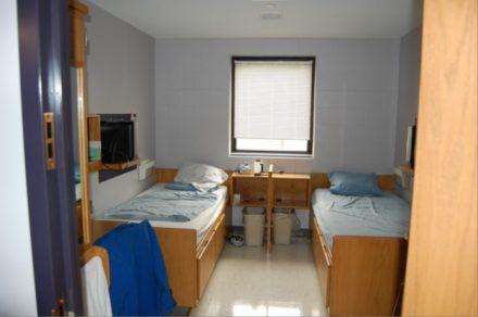 Shakopee womens facility double room